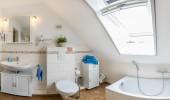 ferienhaus-nordfriesland-broderhus-bude-badezimmer