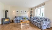 ferienhaus-in-nordfriesland-broderhus-bude-couch