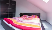Ferienwohnung Loreley 53 St. Peter Bad Doppelbettschlafzimmer Kleiderschrank
