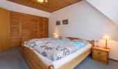 Ferienwohnung Fiete OG St Peter Ording Dorf Schlafzimmer Schrank