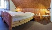 Ferienwohnung Hein St Peter Ording Dorf Schlafzimmer Nachttisch